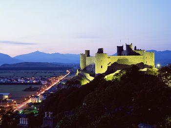 Harlech-Castle-Gwynedd-Wales-United-Kingdom.jpg